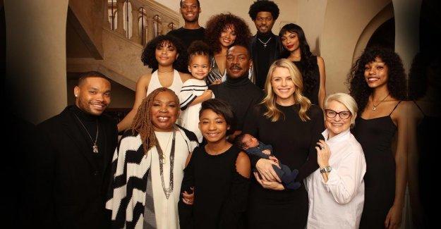 Eddy Murphy prend la pose avec ses 10 enfants