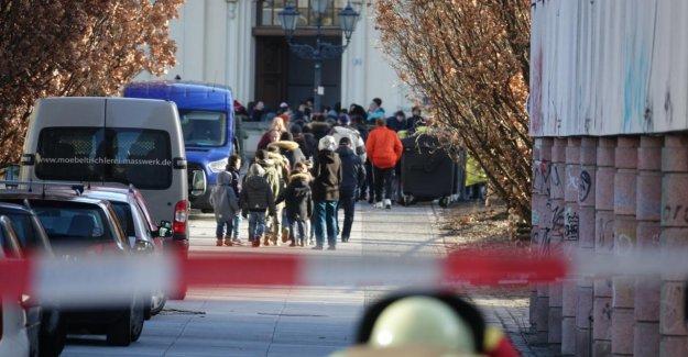 500 Enfants évacués: le Chlore gazeux à la Sortie! Berlin école Primaire libérées