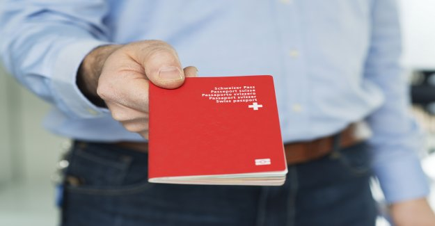 Cas à Lausanne: rouge Ne passe verweigertem Poignée de main