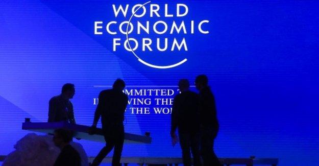 Des célébrités à Davos: puissants, les Chinois et les Russes humide