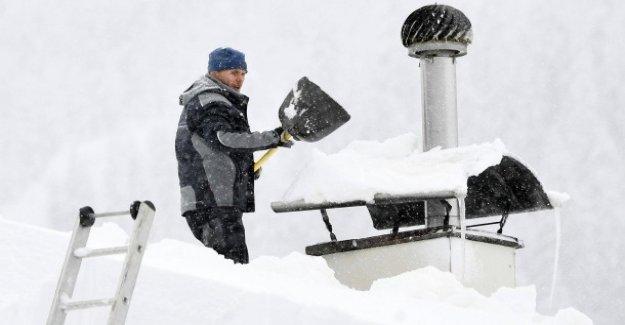 Ingénieur en génie civil sur les Effondrements: la quantité de Neige est titulaire d'un Toit?