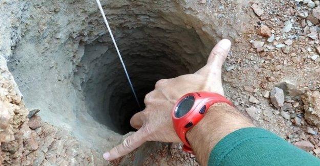 La course contre le Temps: jeune Enfant tombe en Espagne, à 110 Mètres de profondeur du trou de Forage
