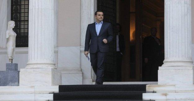 Querelle de Macédoine-Politique: le jeu de Poker à Athènes