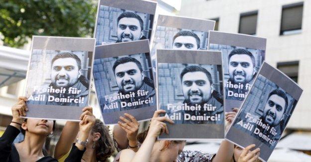 À cologne, les travailleurs sociaux Adil Demirci-turque U de Prison