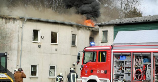 Arnsberg: Pompiers trouve trois Morts dans la maison d'Habitation de Marque
