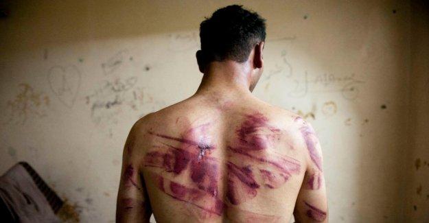 Arrestation: pour la Première fois, viennent d'Assad Torture Sbires devant le Tribunal