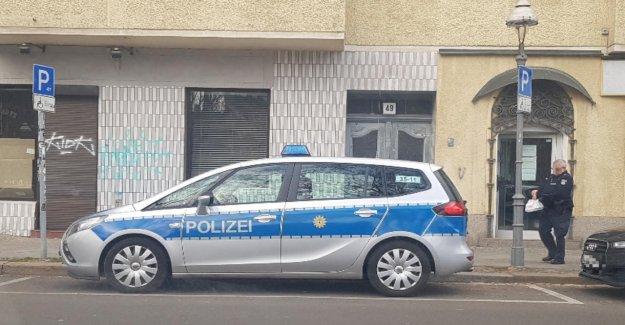 Berlin News: Doner Policier se garent sur les Handicapés!