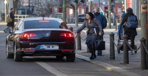Berlin Sénat siffle sur les pistes Cyclables et Stationnement!