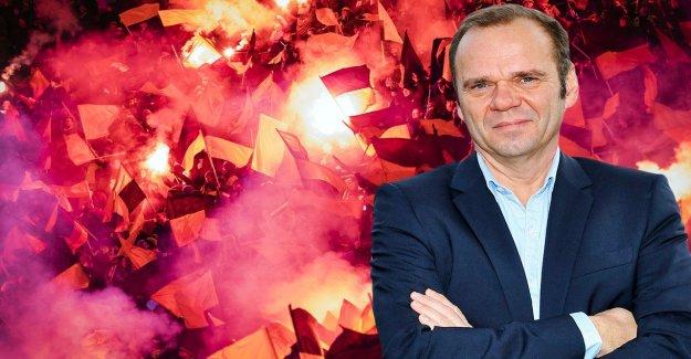 Hamburger SV Bernd Hoffmann invite à Repenser Pyro-Technique