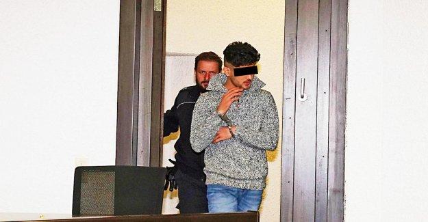 Le Couteau-Attaque: Près de 7 Ans de Prison pour Amir W. (20)