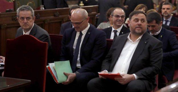 Processus à Madrid: Messi-Revoluzzer debout devant un Tribunal