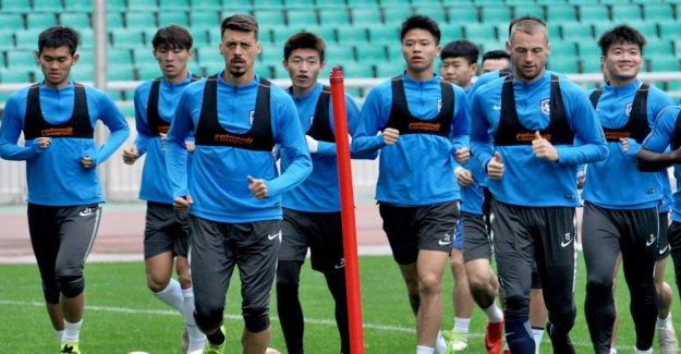 Sandro Wagner: a couru la Chine de Départ de Tianjin Teda