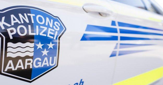 Strengelbach AG: les Automobilistes se casse Garçon de la Jambe et de la peau à partir de la Vue à