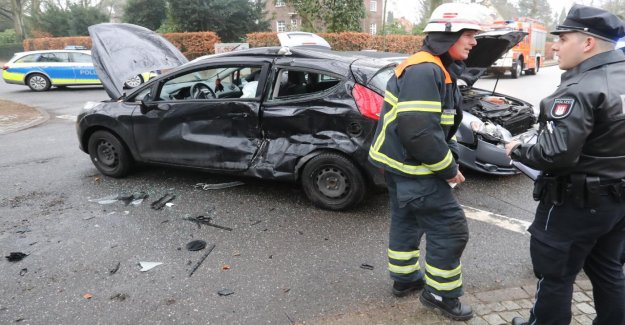 Un Blessé dans Osdorf: un Grave Accident impliquant trois Voitures