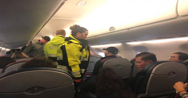 Vol Delta: Atterrissage d'urgence après les Turbulences - 3 Personnes blessées - Vue