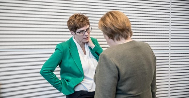 AKK-Amortisseurs: de Gros Doutes sur l'Aptitude de la CDU-Cheffe de la Chancelière,