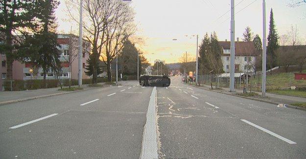 BMW se précipite et assure le chaos de la circulation à Zurich - Vue
