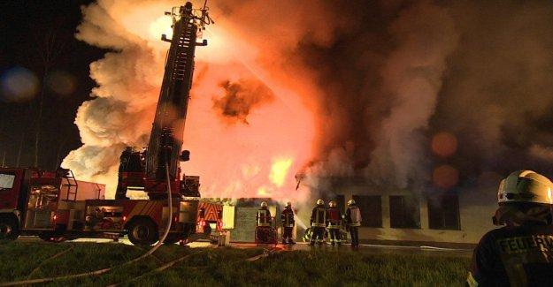 Chaud de Numéro de téléphone dans Kalkar: Ex-Puff brûlé