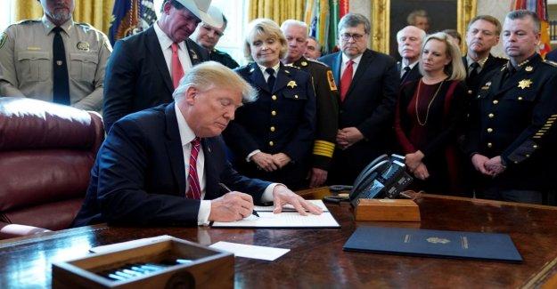 État d'Urgence national: Trump présente un premier Veto de son Mandat, un