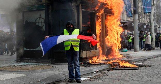 Gelbwesten mettre Paris à Feu et à célébrer la pire Violence Orgie depuis le mois de Décembre