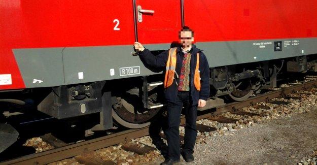 Ici, un conducteur de Locomotive à Vapeur à partir de: On a honte de chemins de fer