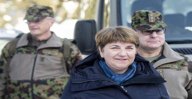 La conseillère fédérale Viola Amherd se met dans le Pyro-Scandale sur la Vue