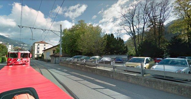 Le Parc de la ville: les Automobilistes (81) part de Femmes (39) à Coire à - Vue