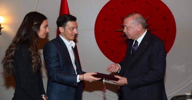 Mesut Özil: Recep Tayyip Erdogan, est conçue pour le Mariage avec des Amines Gülşe venir