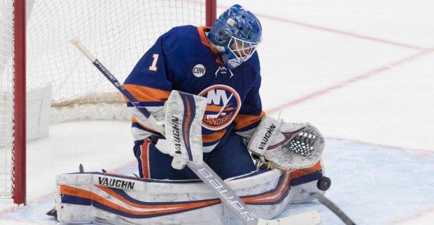 NHL: Hockey Gardien de but Thomas Greiss, assure, à New-York-Victoire