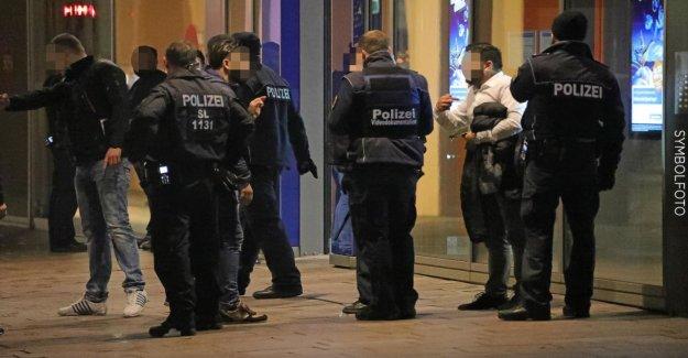 Sarrebruck est situé: 242 400 heures de travail supplémentaires: Police-le Syndicat met en garde contre l'Effondrement
