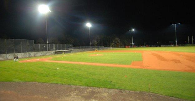 Bonn: NRW verse 1 Million d'Euros pour la Modernisation de Stade de Baseball
