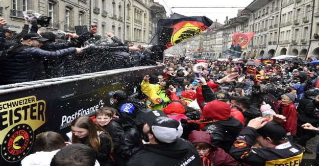 Des milliers de célébrer, à Berne, Maître SCB - Vue