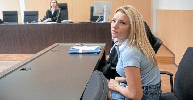 Düsseldorf: Evelyn Burdecki en raison de Celebrity Big Brother devant le Tribunal