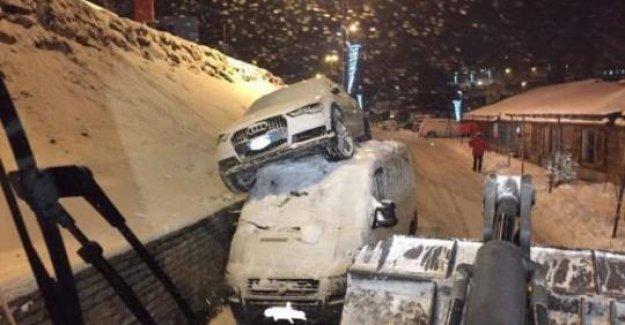 Ski-Star Goggia atterrit à Transporter, mais reste indemne