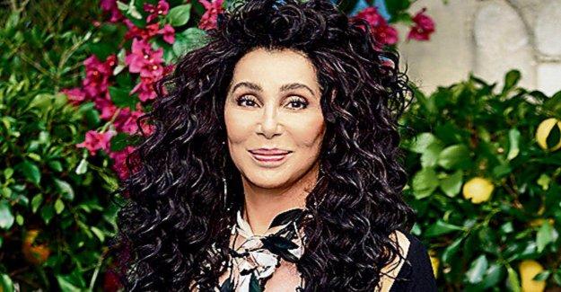 Superstar Cher : Le Trans-Interdiction dans l'Armée AMÉRICAINE me brise le Cœur