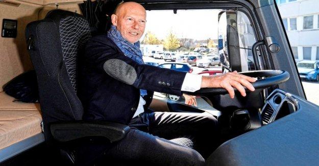 Transports: le Sénateur poursuit Camionneurs, Maire roule à Vélo