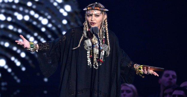 Un nouveau Single, Medellin: Madonna aux etats-UNIS, un Flop au Brésil top