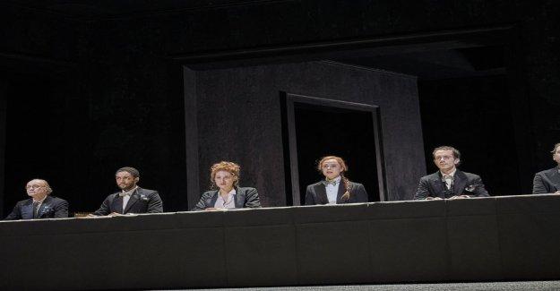 Barbara Frey met en scène Joyce Les Morts - Vue