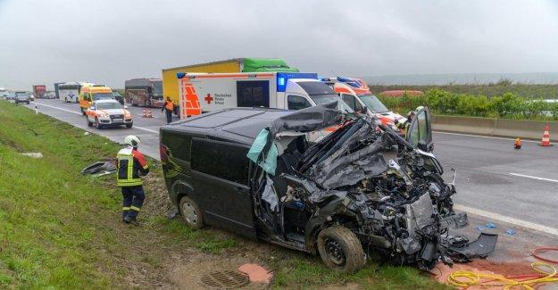Cinq Blessés: Bochum Équipe Cycliste sur A4 blessée!