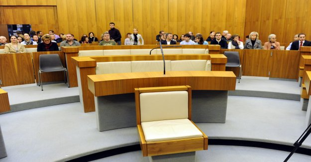 Disco-Tyran affirme Innocence devant un Tribunal, en Vue
