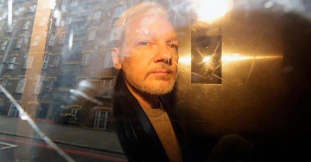 Julien Assange: l'Equateur veut les Documents de Wikileaks, Fondateur aux etats-UNIS transmettre