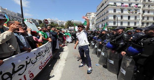Les algériens demandent de continuer les Réformes en Vue