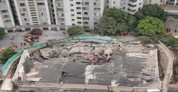 Nombre de Morts à Gebäudeeinsturz a augmenté de Vue