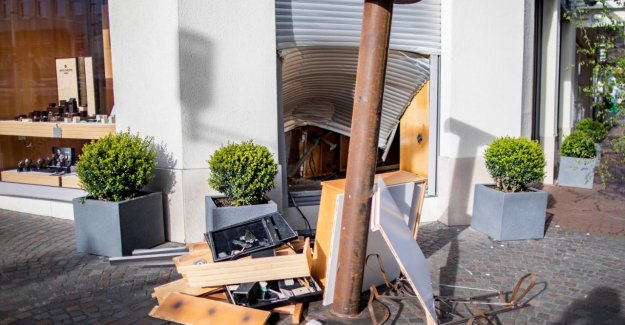 Recklinghausen: Blitzeinbruch avec un Bélier dans une Bijouterie