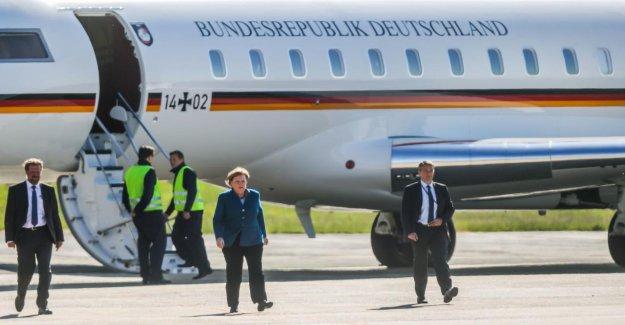 Renault béliers Merkel d'Aviateur d'Accident à l'Aéroport de Dortmund