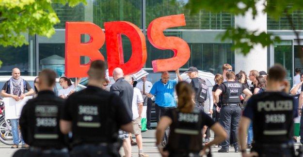 Signe contre l'Antisémitisme: le Bundestag vote contre Israël, le Boycott