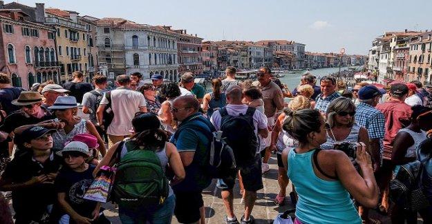 Venise punis Déchets de Pécheurs: 500 Euros d'Amendes pour les Touristes - Vue
