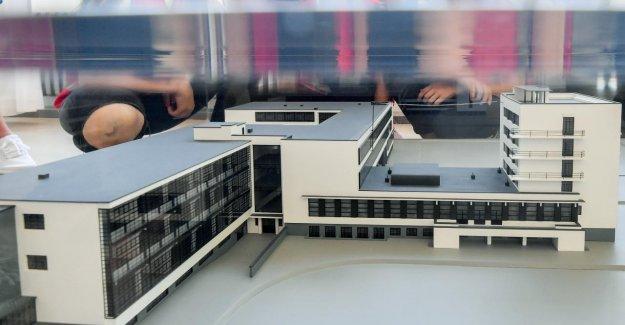 100 Ans - IMAGE attire le Bauhaus de