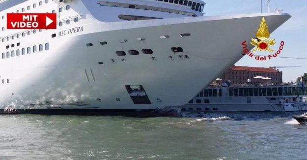 Accident de Venise: le bateau de Croisière MSC Opera craque de Touristenboot