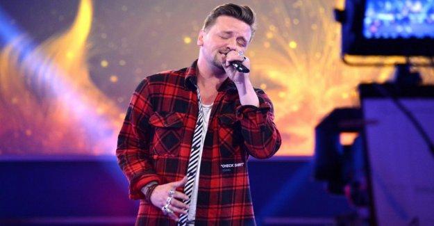 Ben Sucre: le chanteur de charme parle de Fuite de la RDA